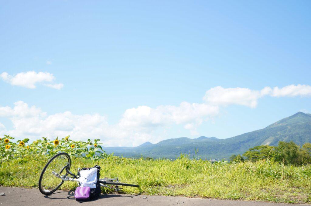 北海道ニセコアンヌプリと自転車